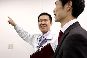防犯設備士は防犯システムに関する専門の教育を受けています。
