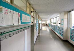 学校・保育園・幼稚園・学習塾など教育施設への防犯カメラ・監視カメラ・セキュリティシステム設置イメージを見る。