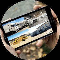 離れた場所からでも、お好きな時間にお手持ちのパソコン・スマートフォンで防犯カメラの映像を見ることができます。