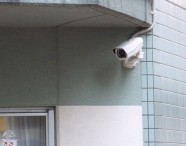 学校の職員室で窃盗容疑|防犯カメラの日本防犯設備
