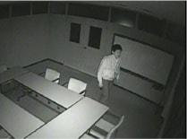 夜間真っ暗な場所でも防犯カメラで撮影できますか?