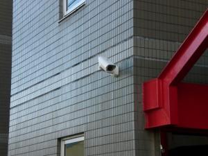 【石川県・七尾市】書店駐車場で車に乗り込み強盗