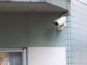 【大阪府・大阪市】屋上から隣のビルに飛び移り店舗荒らし23件