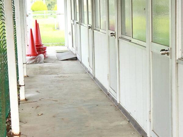 【佐賀県】学校の部室から運動用具を盗んで転売