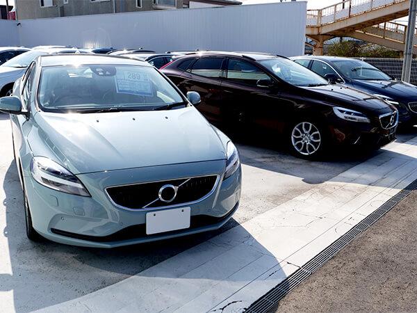 【神奈川県】中古車販売店から高級車など7台盗難